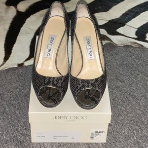 Jimmy Choo Luna peep toe pump sz37